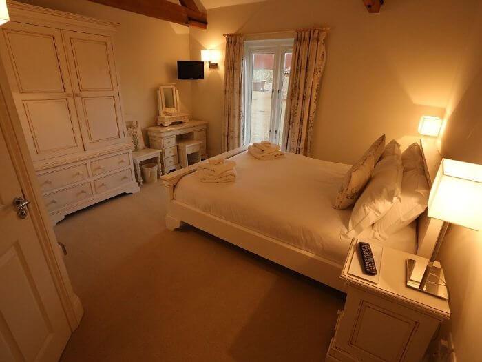 Brazenhall Barn & Lodge