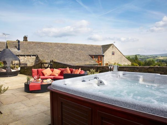 Child Friendly Cottage with Hot Tub