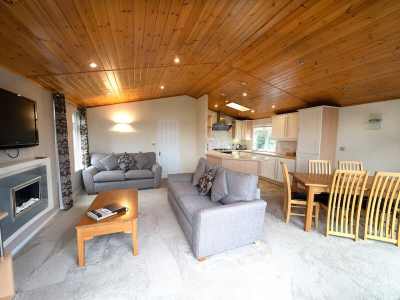Field View Two Bedroom Lodge At Athelington Hall