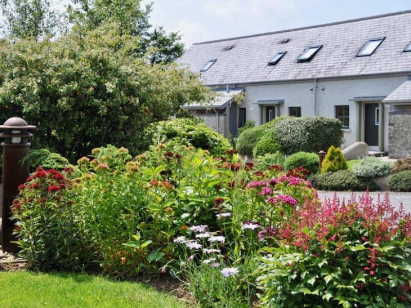 Dolmenyn At East Jordeston Cottages