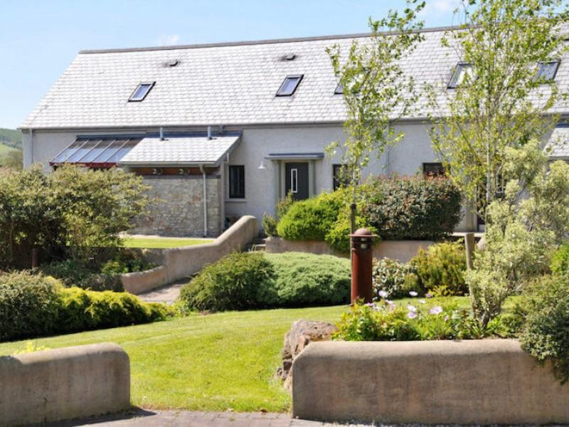 Tyddyn At East Jordeston Cottages