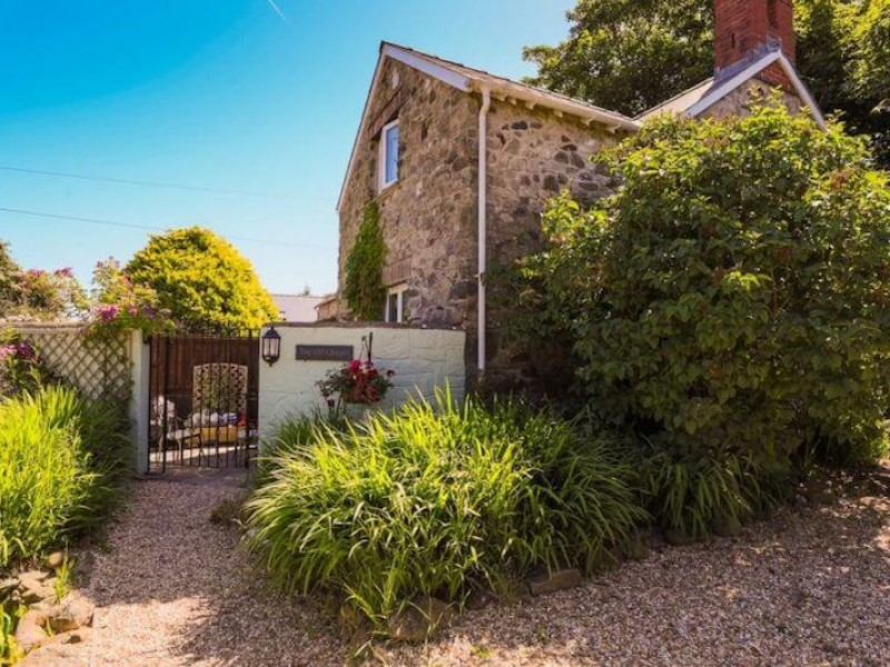 The Old Chapel At Hendre House Cottages