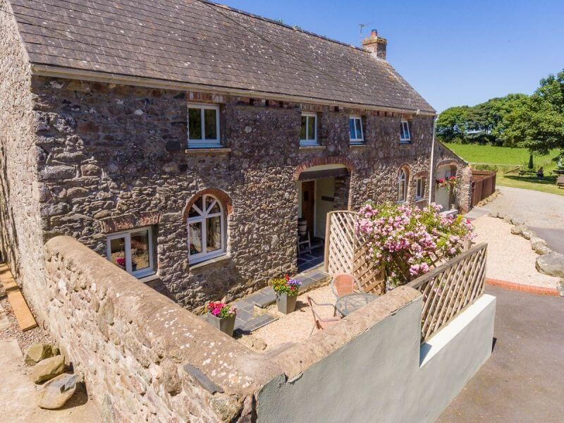 Herne Cottage At Hendre House Cottages