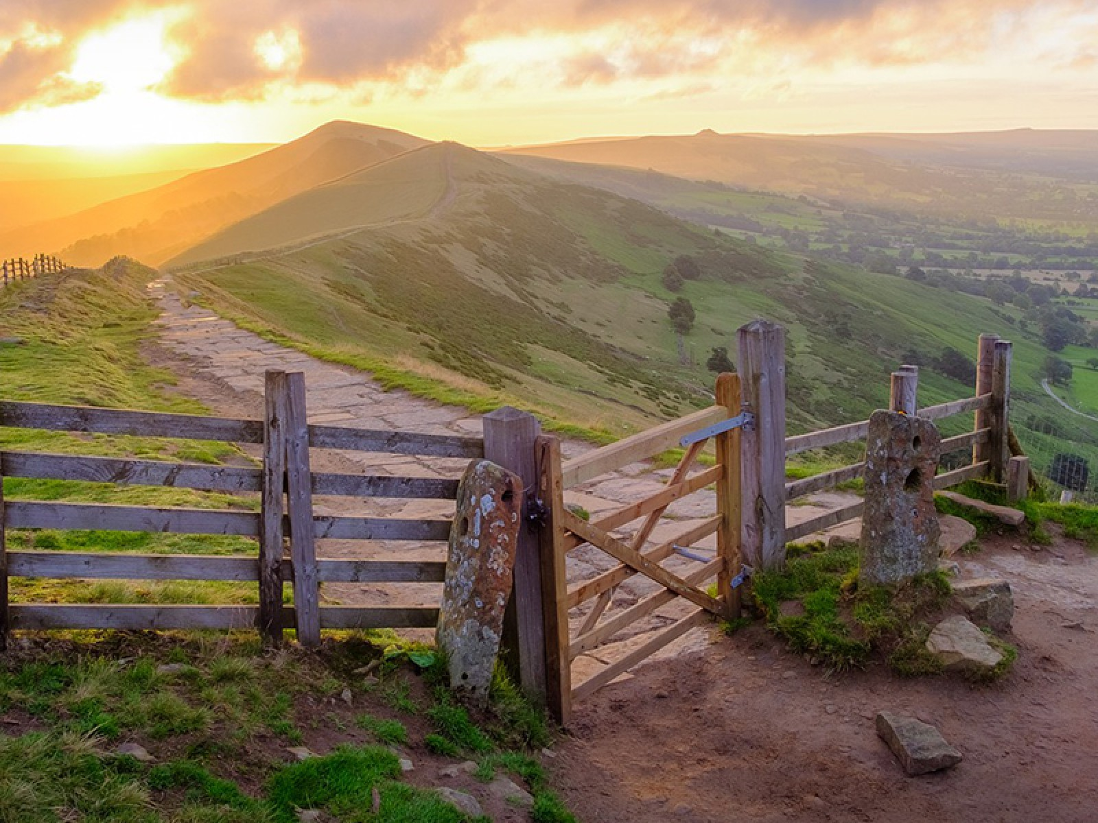 Luxury Cottages in the Southern Peak District
