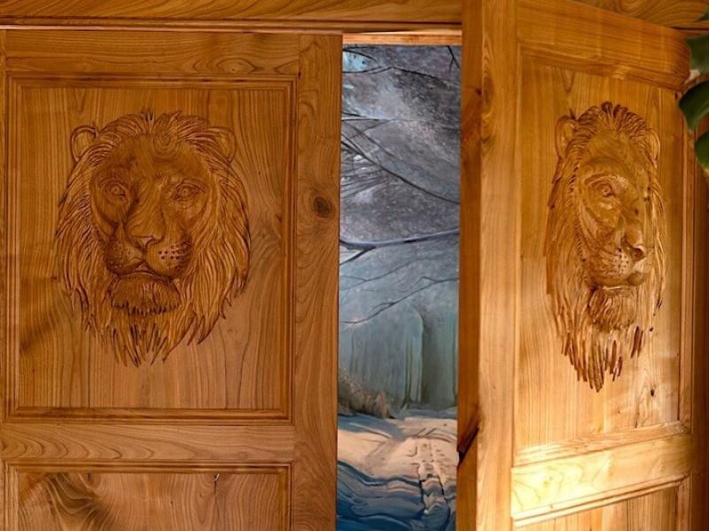 The Narnia wardrobe, enchanting views!