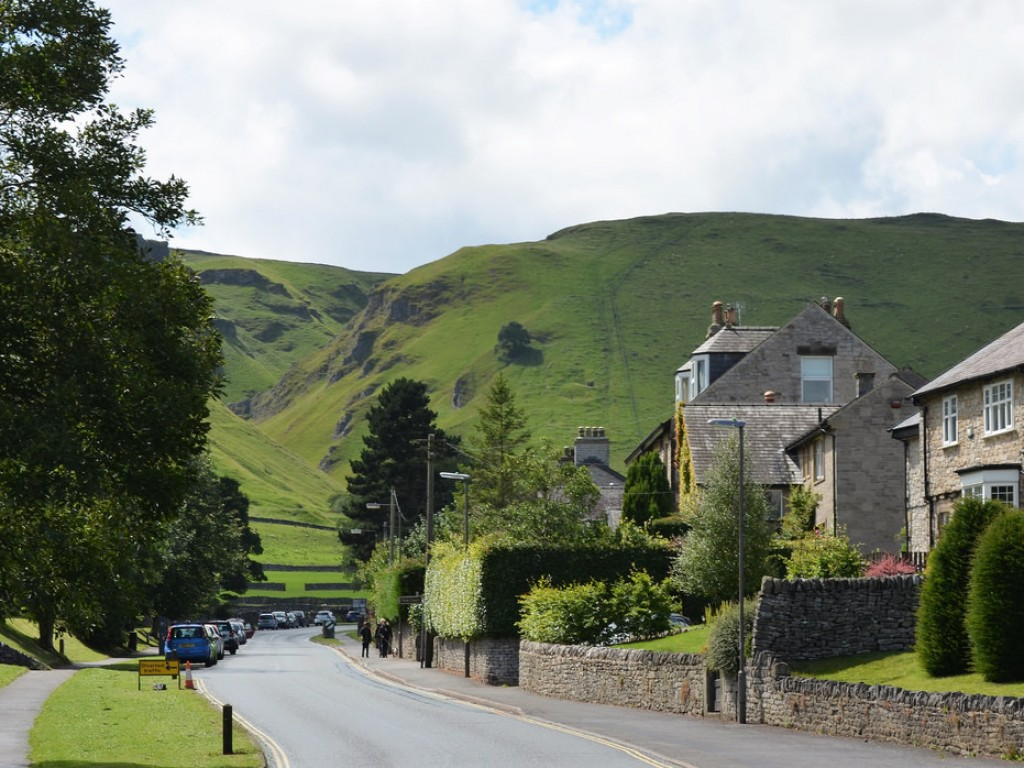 luxury cottages near castleton