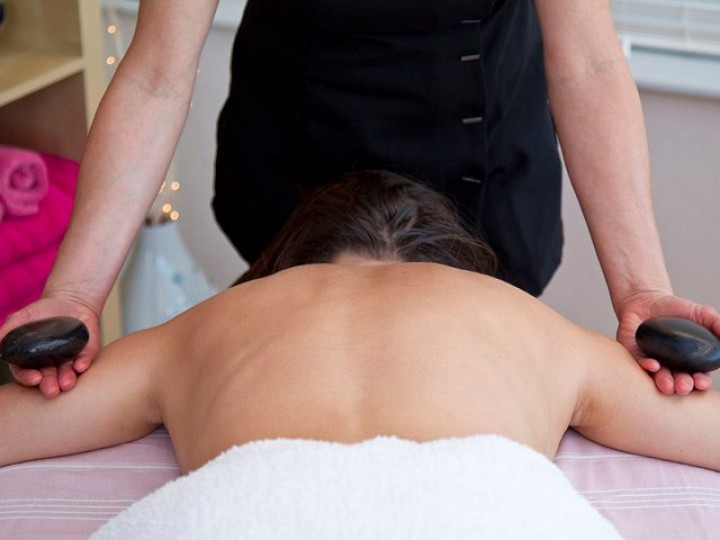 Holistic & Beauty Treatments Onsite