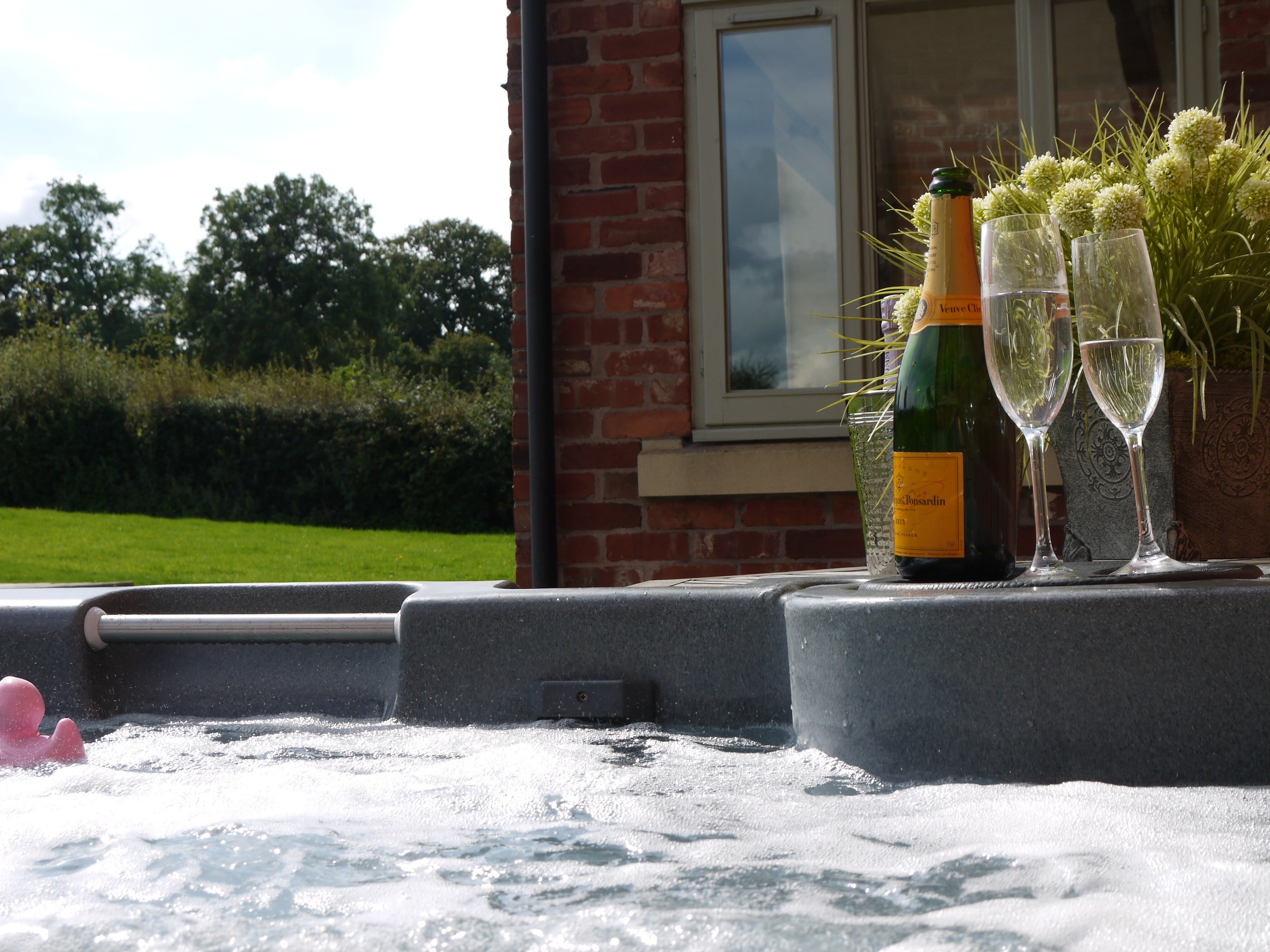 Relax and unwind - Hot Tub Hire available