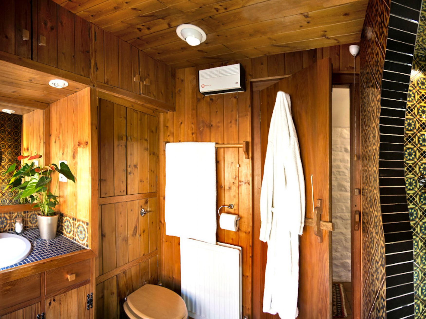 Beechnut Bathroom overview