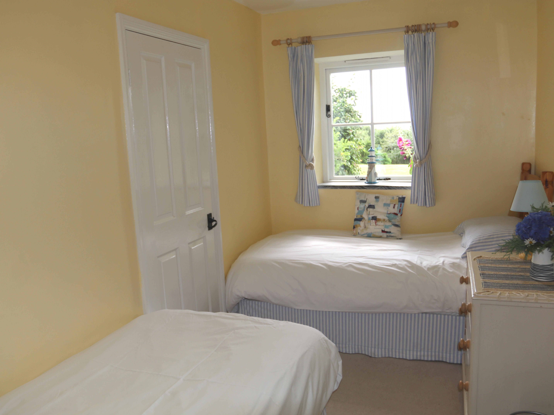 Hollyhock - second bedroom