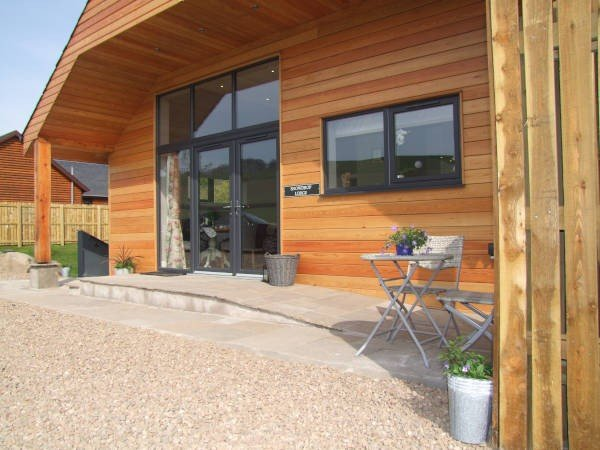 Snowdrop Lodge At Milton Farm Lodges