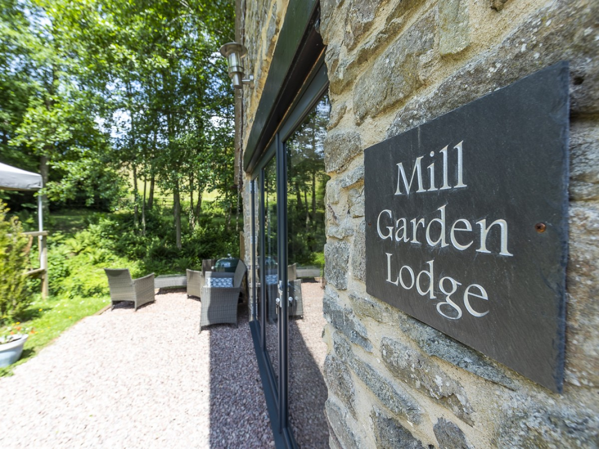 Mill Garden Lodge patio