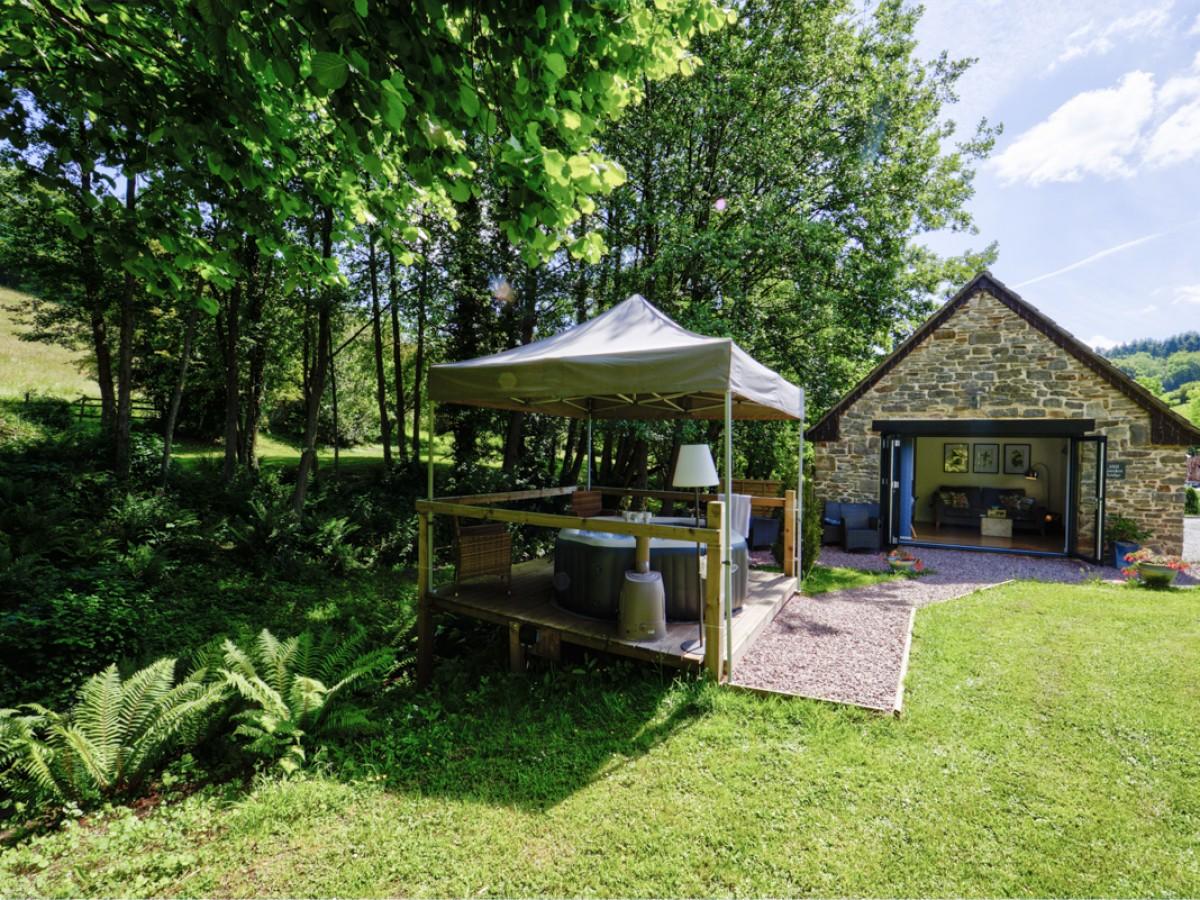 Mill Garden Lodge garden area