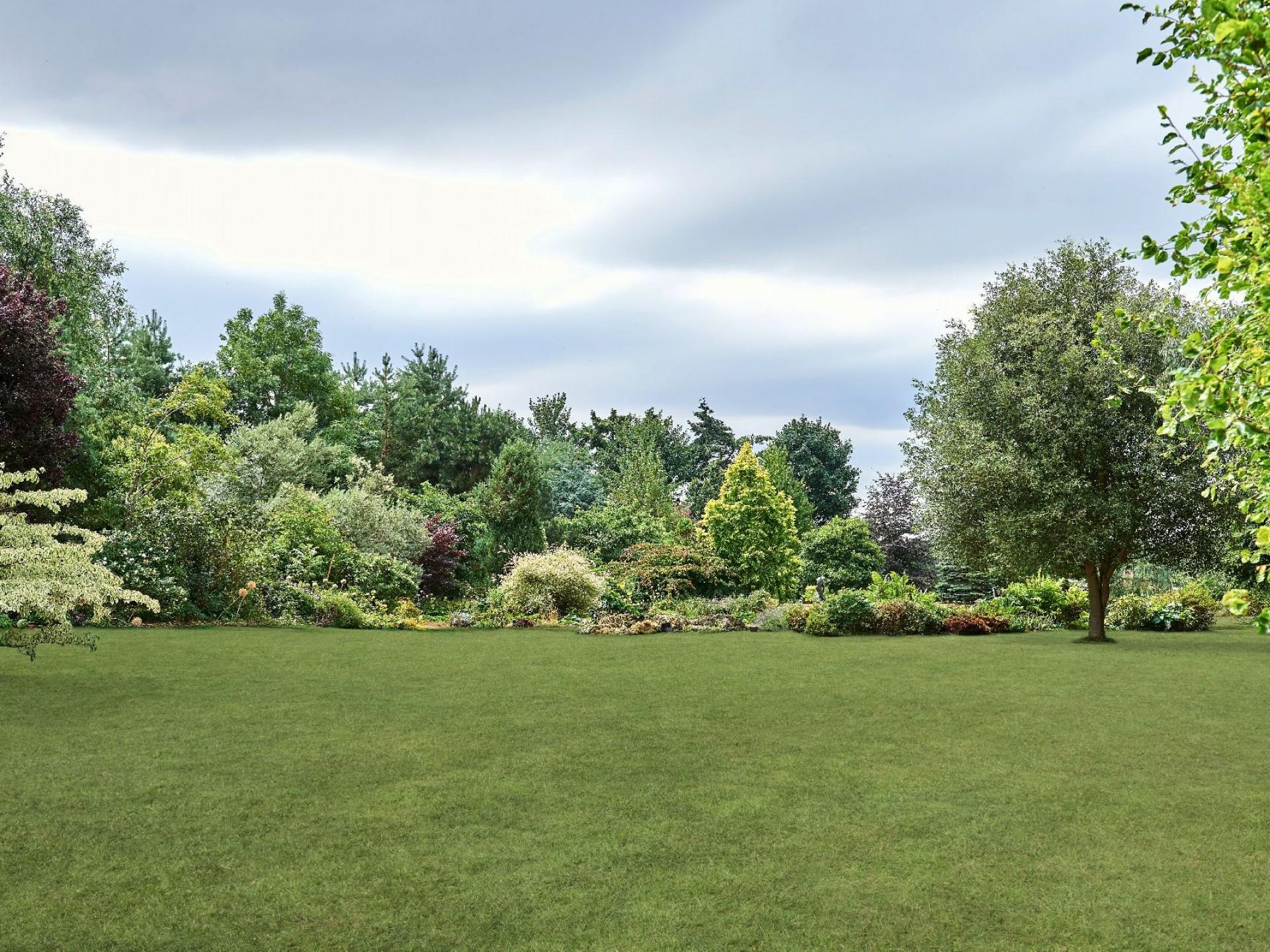 5 acres of glorious gardens