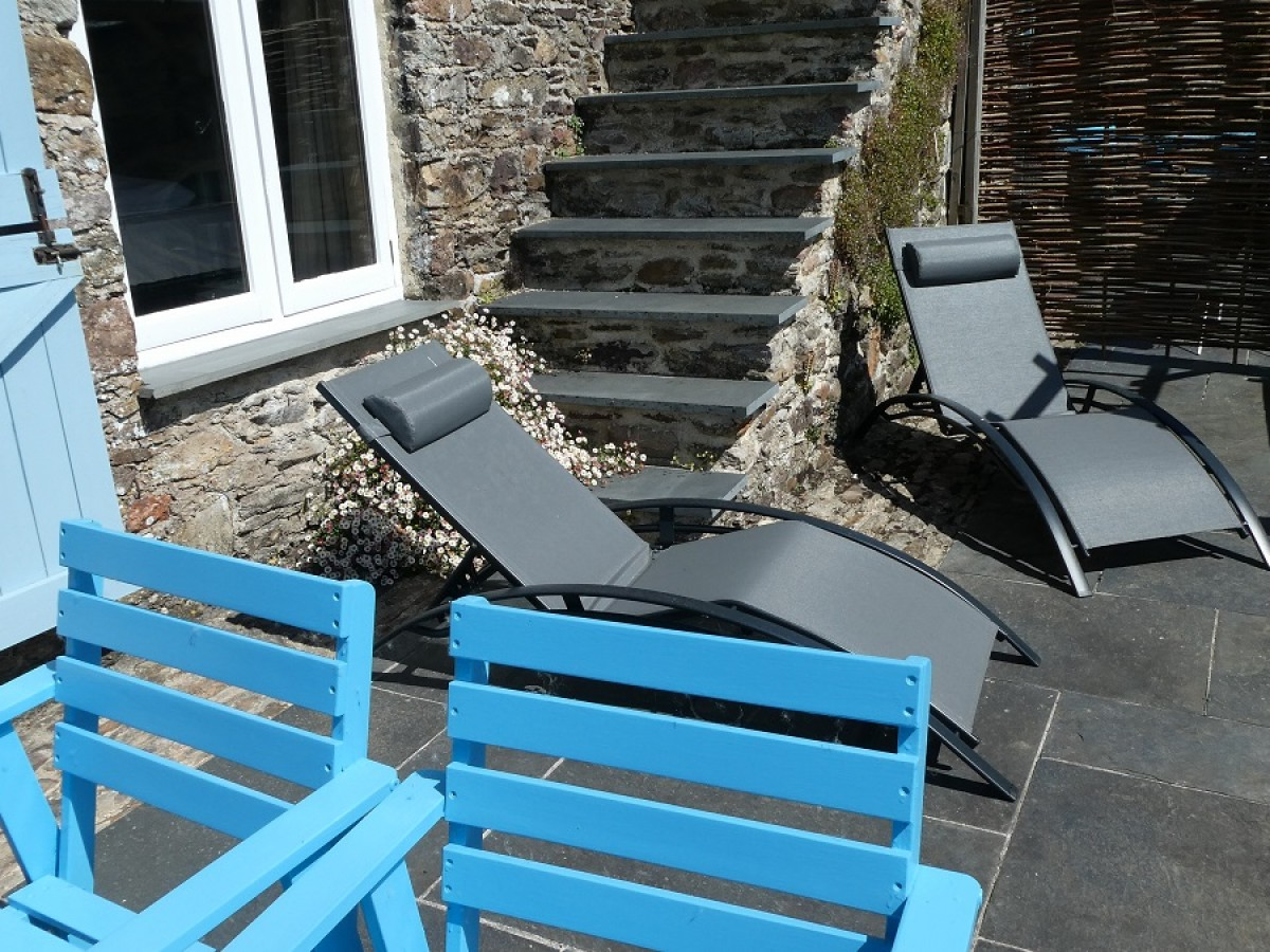 The Sun Terrace at Cider House at Nutcombe Holiday Cottages