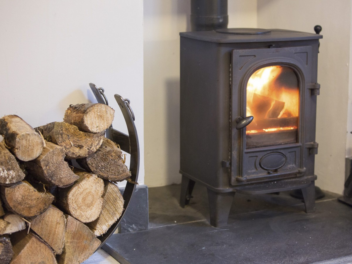 Harbour House - cosy woodburning stove