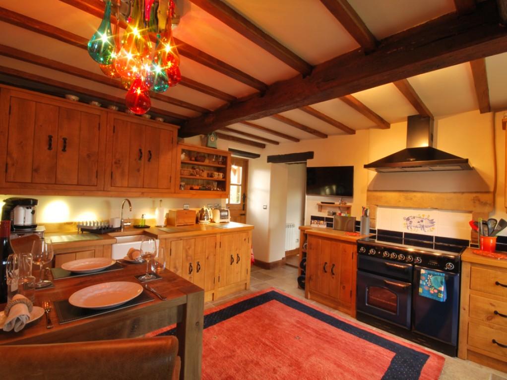 Beautiful Bespoke Kitchen Peak District