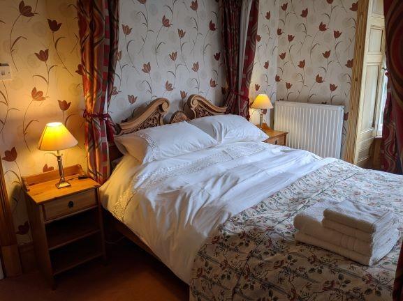 Four poster bedroom with en-suite
