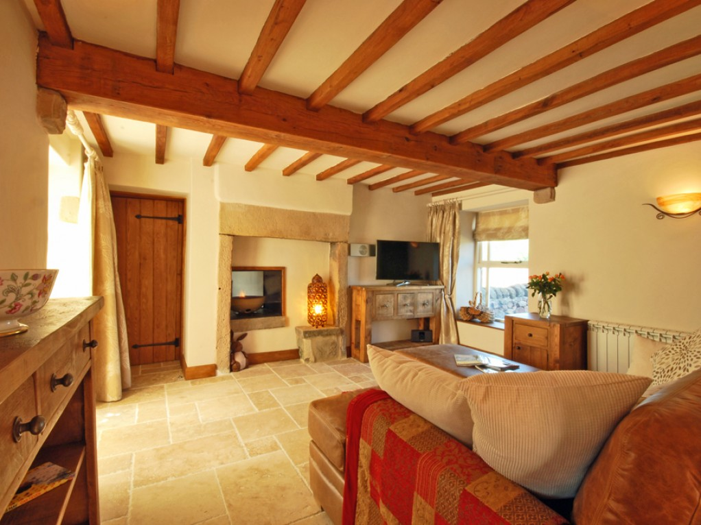 Cosy Peak District cottage holiday