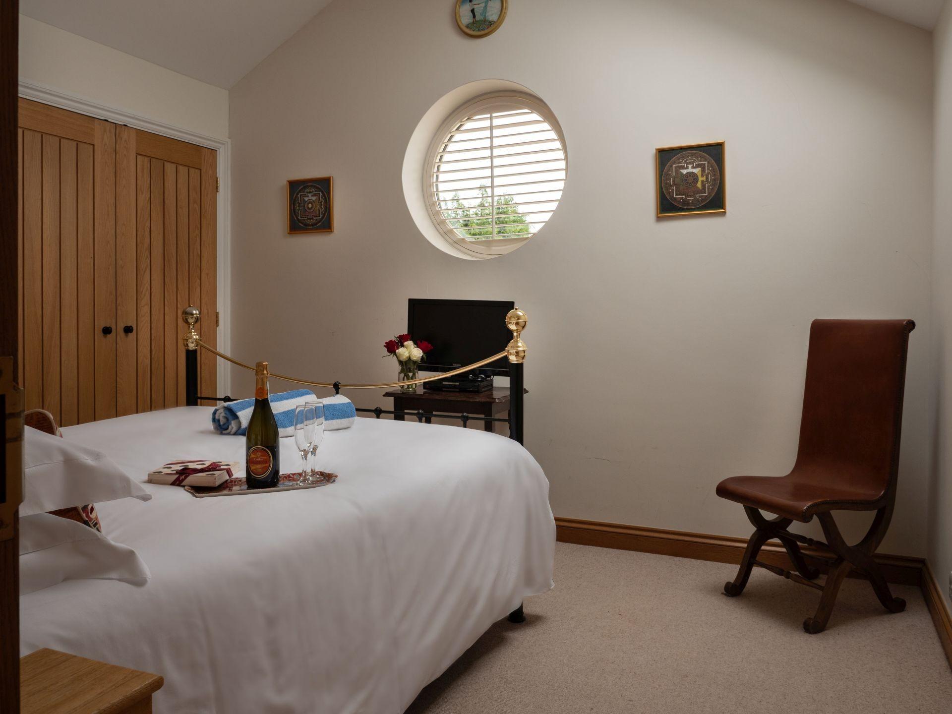 Kingham Cottages-The Loft-Master Bedroom