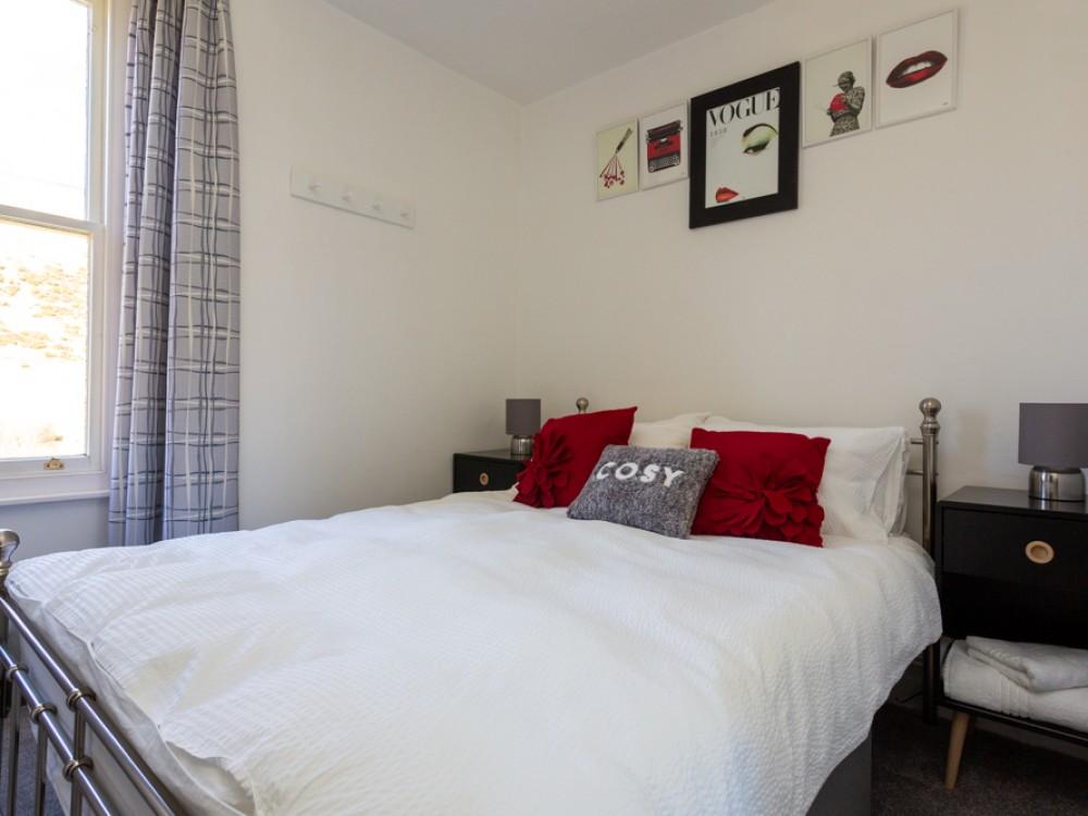 De Montfort Bedroom