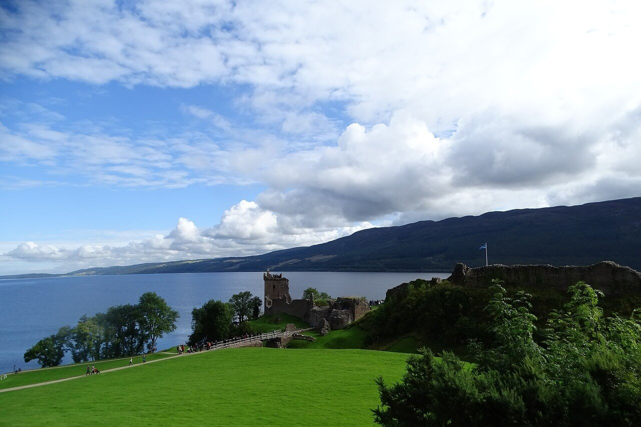 Luxury Cottages and Lodges near Loch Ness