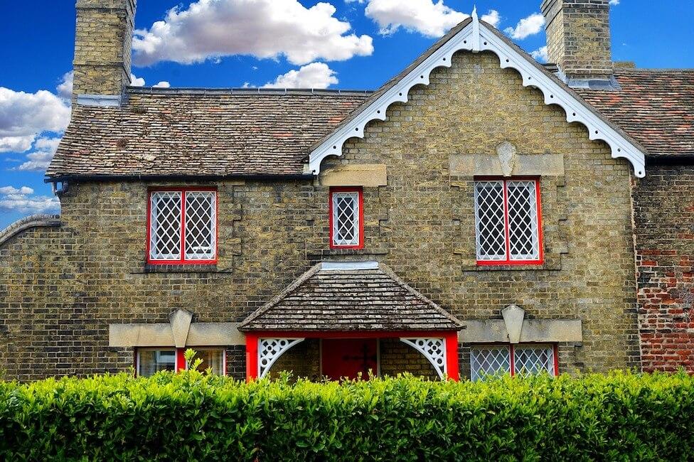 house-2260888_1280.jpg