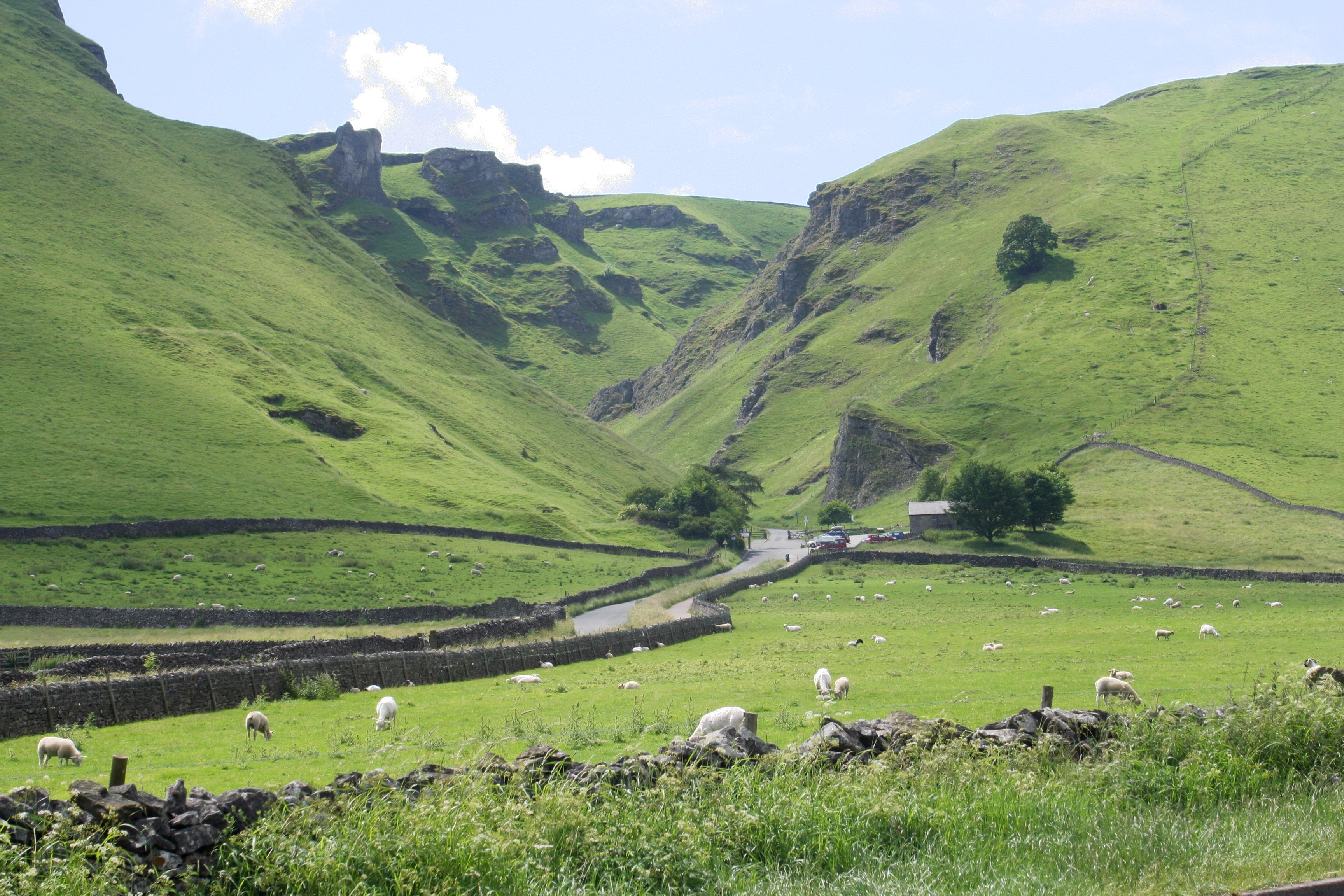 luxury cottages near Castleton, Peak District