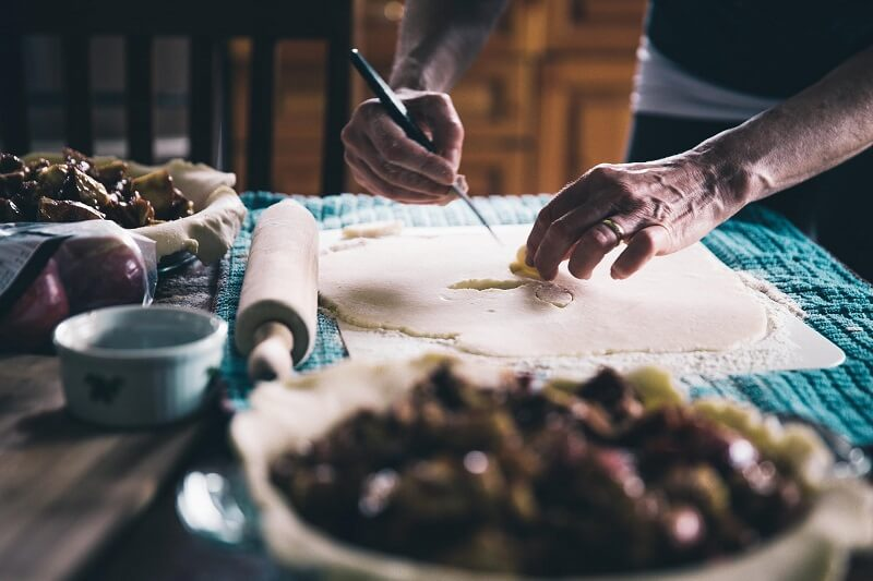 hire a luxury cottage with private chef via handpicked - chef hands